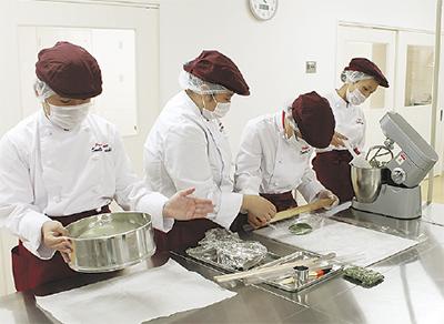 「おいしい菓子」で就労支援