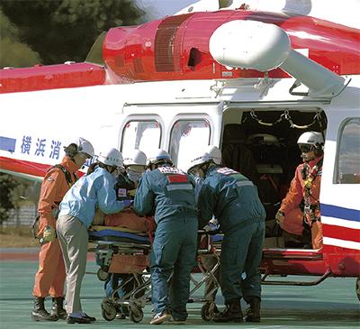 消防ヘリが深谷町で離着陸訓練