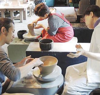陶芸家による指導が受けられる