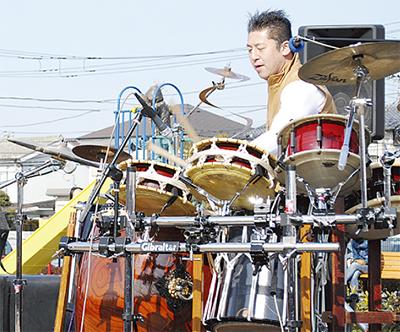 ヒダノさんと一緒に演奏