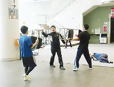 栄公会堂で初の訓練