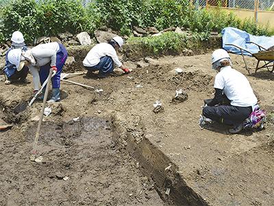 相ノ田谷遺跡で発掘進む