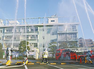 安全祈念し、消防出初式