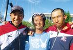 高橋・牧野両選手と飯妻さん(中央)