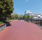 宮川沿いの宿広場