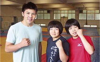 (左から)普天間さん、輿水さん、山田さん