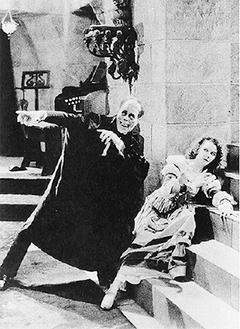 『オペラ座の怪人』を上演