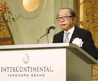 式辞を述べた鈴木理事長