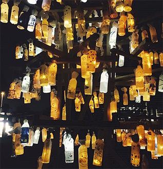 ワークショップで子どもたちが作った「秋月燈」のツリー(提供/金沢研究会)