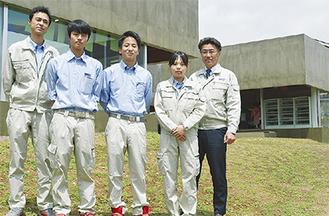 幼稚園の施工を担った社員(右が吉田代表)