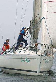 海の上でヨット体験