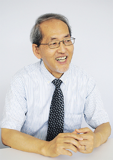 岩崎学センター長