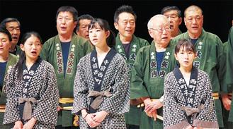 左から吉岡さん、藤原さん、西田さん