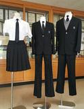 新校の制服を披露