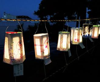 琵琶島に行灯が飾られる