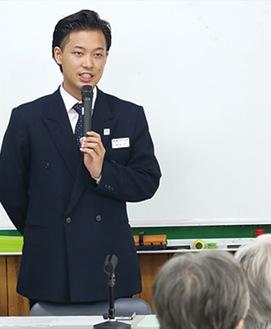 自治会館での出張セミナーで、「終活」について語る稲垣さん