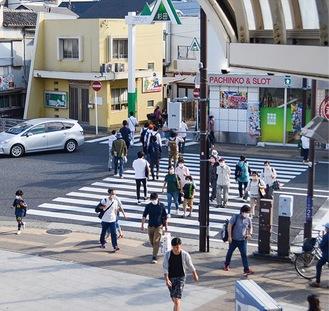 街にも徐々に人通りが(杉田地区)