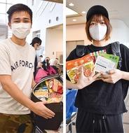 学生100人に食料配布