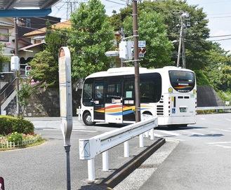 東朝比奈町内を巡るバス