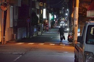 街路灯を撤去した商店街