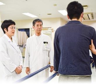 急性期から慢性期の病院まで経験豊富な内川医師(中央)とリハビリ分野で幅広い見識を持つ藤井医師(左)