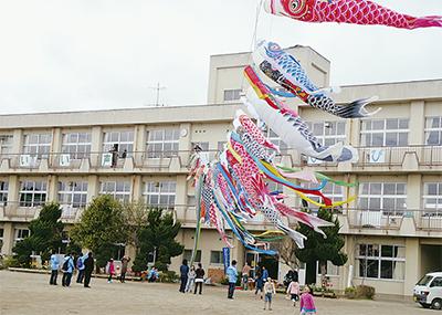 被災地に横浜の「鯉」