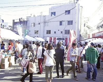 八景駅前で「青空市場」