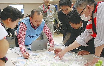 大地震に備え机上訓練