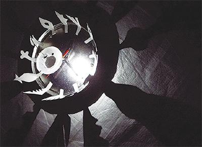 光と影の時計を作る