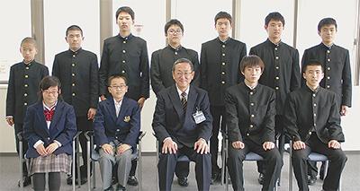 """""""若い力""""4団体が受賞"""