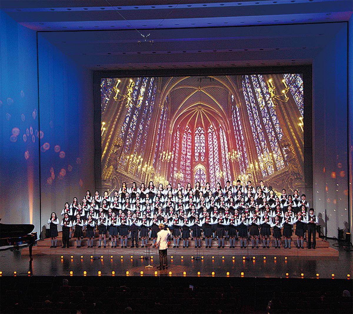 160人の歌声でクリスマス