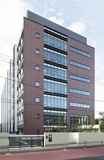 金沢区に移転した研究所の外観=同研究所提供