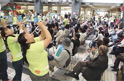 プララ杉田が支援コンサート