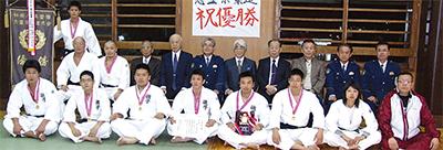 県警柔道大会で連覇