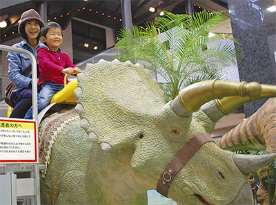 恐竜の迫力を体感