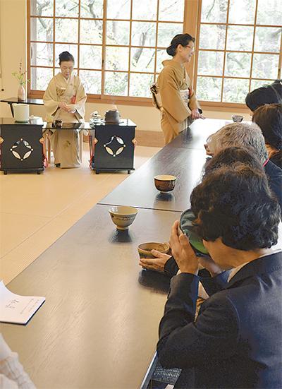 茶会で被災地を支援