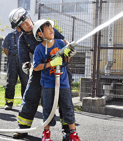 消防署の訓練を体験