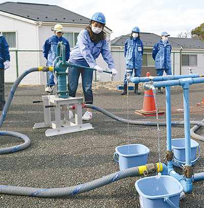 災害時の給水訓練