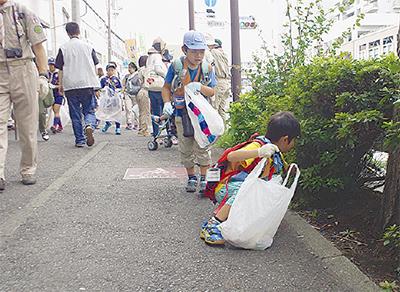 清掃活動で地域奉仕