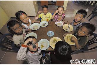CYRによって給食が支給された子ども達