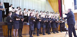 ドイツとPTAの合唱団が共演