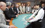 カジノ誘致の理解が進めばと体験コーナーを設置