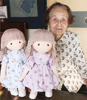 今回出品予定の人形と辻さん