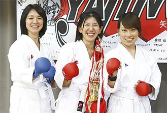 大会に初出場した(左から)豊田さん、岡村さん、樋口さん
