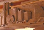 横浜を細かな彫刻で表現