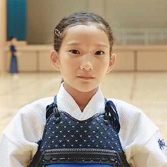 全国大会に臨む久冨さん(9月30日、笹下中学校体育館で)