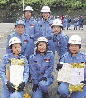 出場した女性隊のメンバー