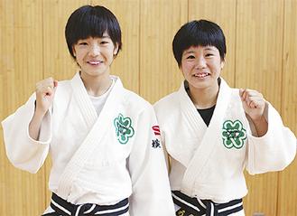 県大会40kg級で優勝を果たした市原さん(左)と48kg級3位入賞の板橋さん