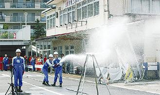 屋内消火栓操法の訓練