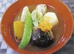 金沢の郷土料理「治部煮」(じぶに)もあわせてどうぞ(税込600円)。